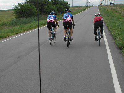 Chatting with a Couple Local Riders, Race Across America 2006